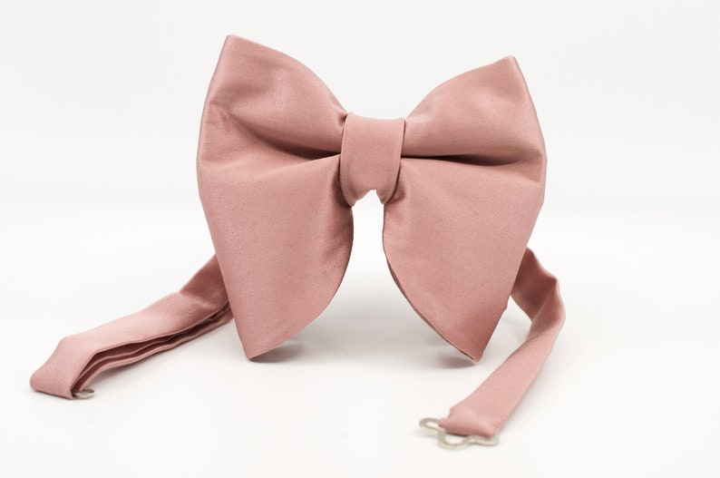 Dusty rose Butterfly bowtie Big Bow tie Rose gold bow tie