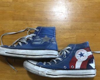 pretty nice 2ec32 674d8 Hand Painted Captain America Converse
