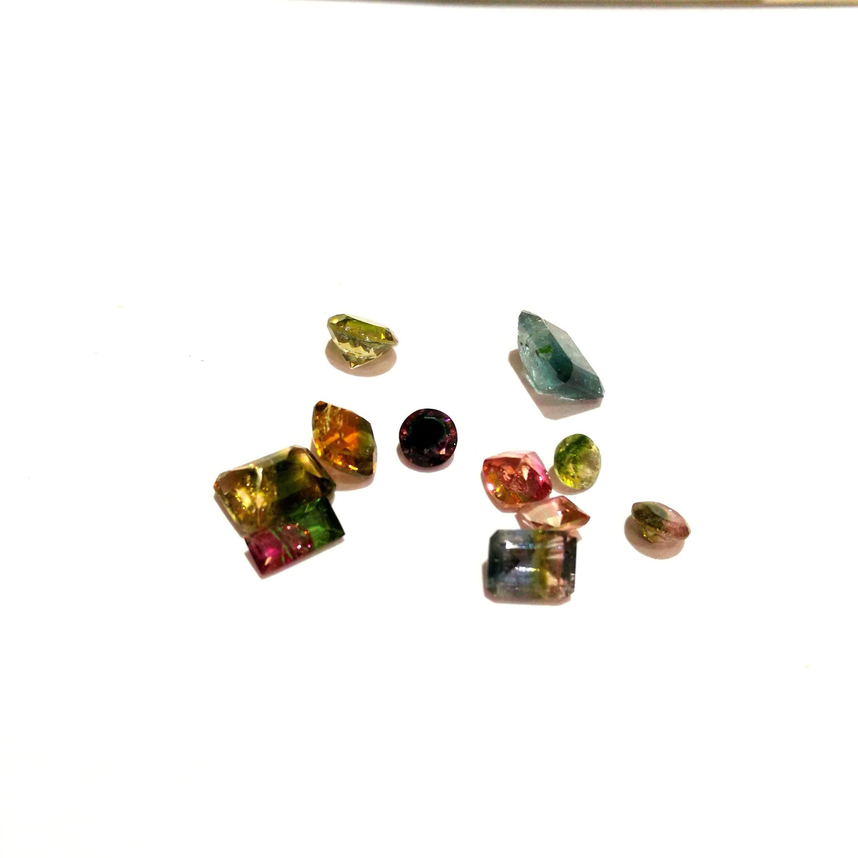 d1ac53379580 Bio naturel Tourmaline pierres précieuses en vrac pour pour vrac bijoux  taille (environ) 4