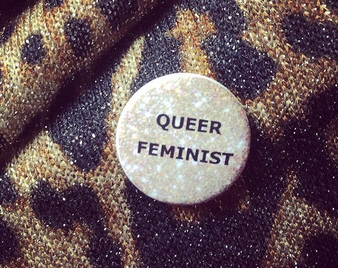 """Button """"Queer feminist"""""""