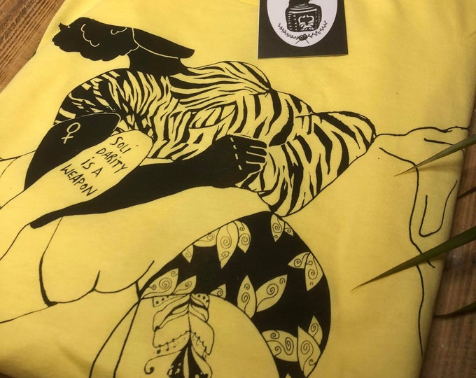 """Hand-printed Fairtrade T-shirt """"Solidarity is a weapon"""""""