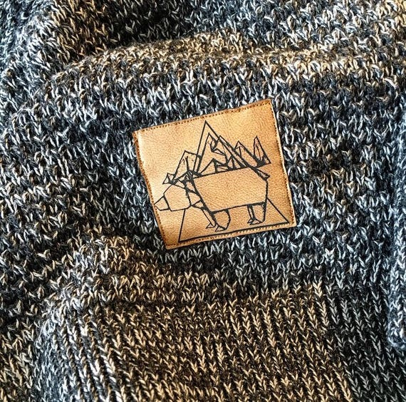 "Strickhoody with vegan leather patch ""Origami Bear"""