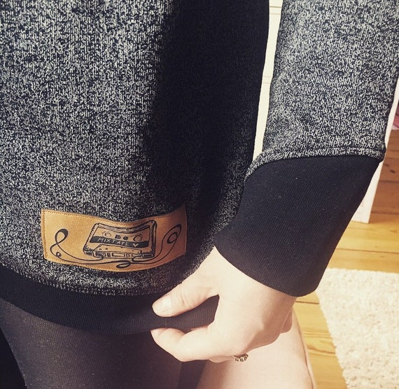"Soft sweatshirt with vegan leather Patch ""Mixtape < 3"""