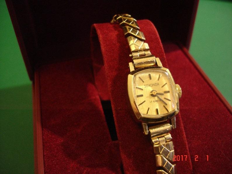 7af948f91b5 Gold Plated Seconda 17 Jewel Ladies Handwind Wristwatch with