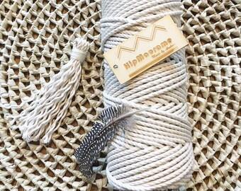 Struck 4mm macrame rope.