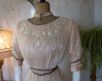 1912 Pale Pink Silk Titanic Era Ball Gown, antique dress, antique gown, Edwardian Dress, antikes Kleid
