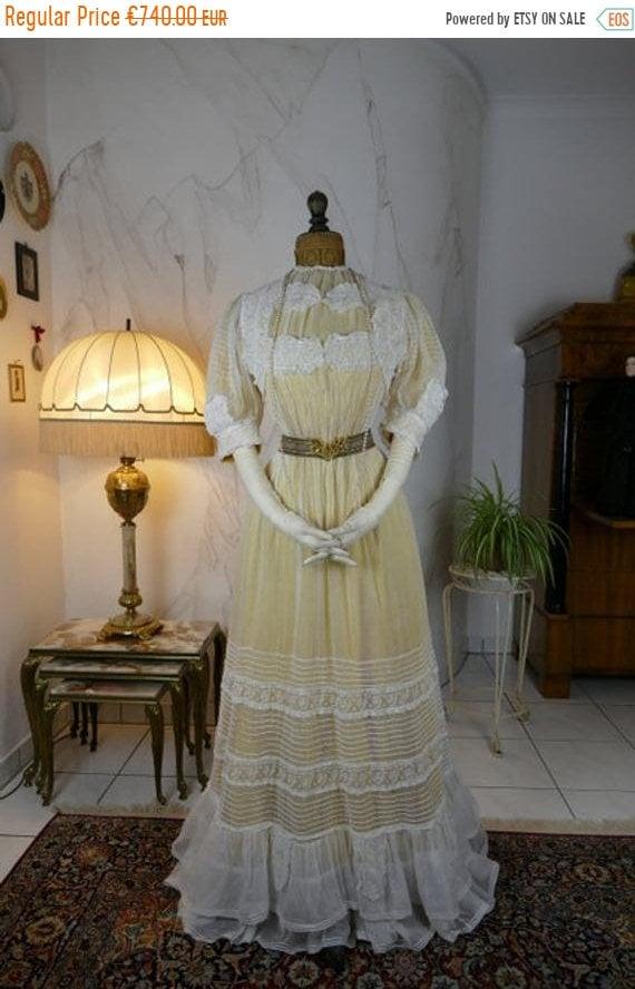 ON SALE 1903 Muselin Dress, antique gown, antique