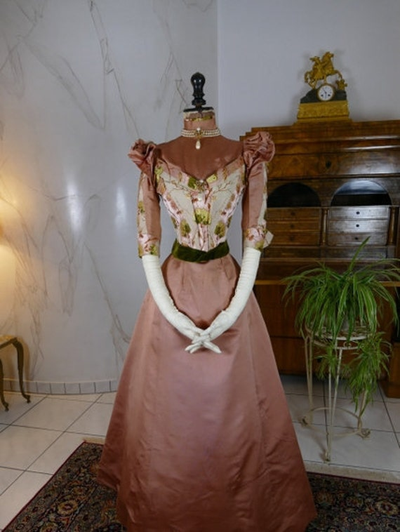 1896 McCARTHY Reception Gown, Syracuse, antique dr