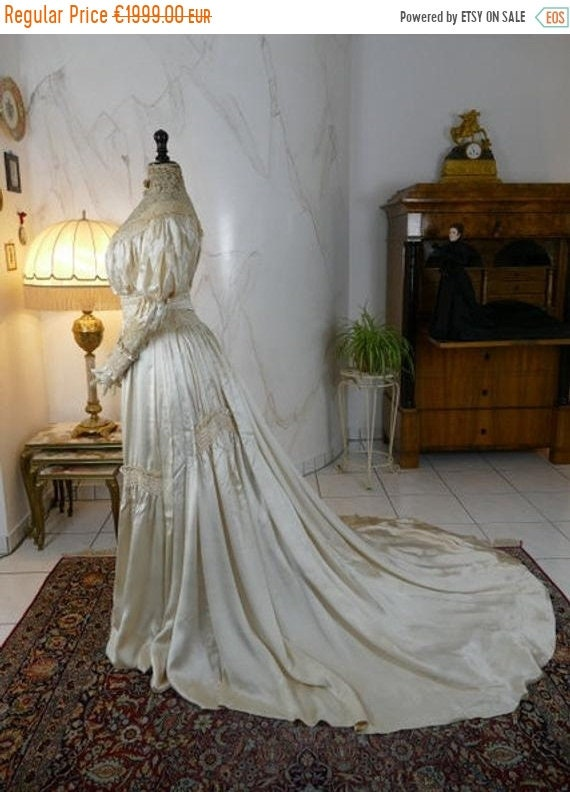 ON SALE 1900 Wedding Dress, antique dress, antiqu… - image 1