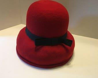 Vintage Women's street Smart by Betmar Red Wool Felt Hat