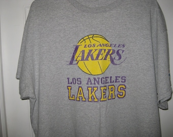 963935b34 vintage Los Angeles Lakers t-shirt