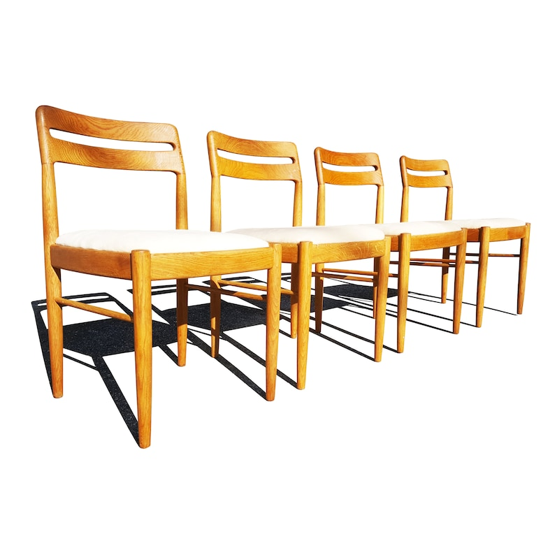 cde23f8f99f0 Danish mid century modern Dining Chairs by H.W. Klein for