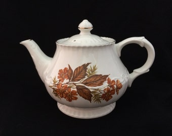 Wood and Sons TEAPOT with lid, Alpine White Ironstone Ellgreave England vintage retro dishes beverage tea party collectible brown (2718)