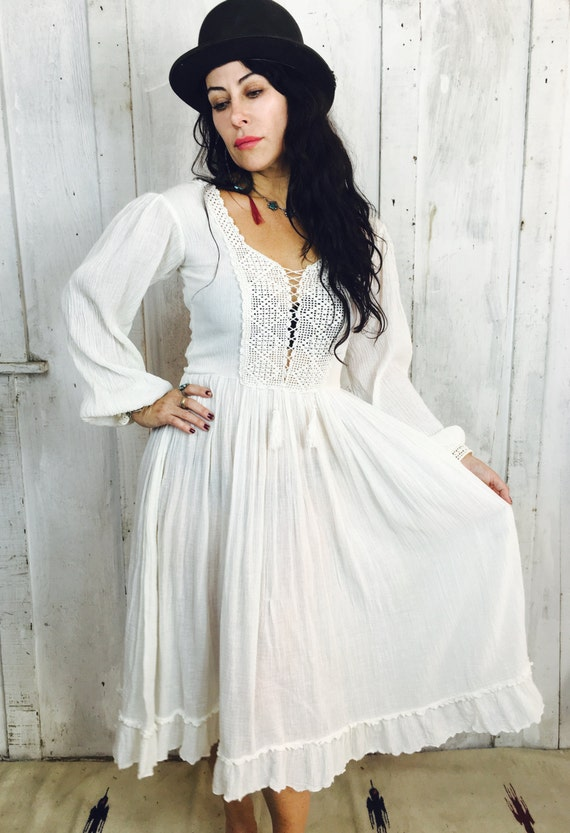 Vintage Gauzy Cotton Dress// Vintage White Goddess