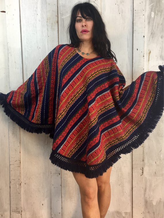 Vintage Handwoven Poncho//Folk Art Poncho//Vintage