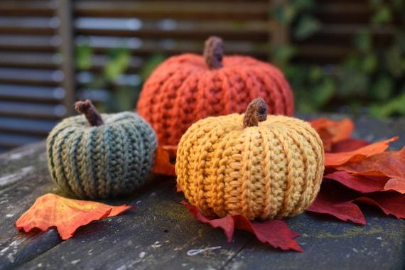 Pumpkin All'inciso, Decorazione autunnale, zucca fatta a mano, Decorazione di Halloween, Arredamento D'autunno, zucche ripiene, zucca gialla, zucca verde
