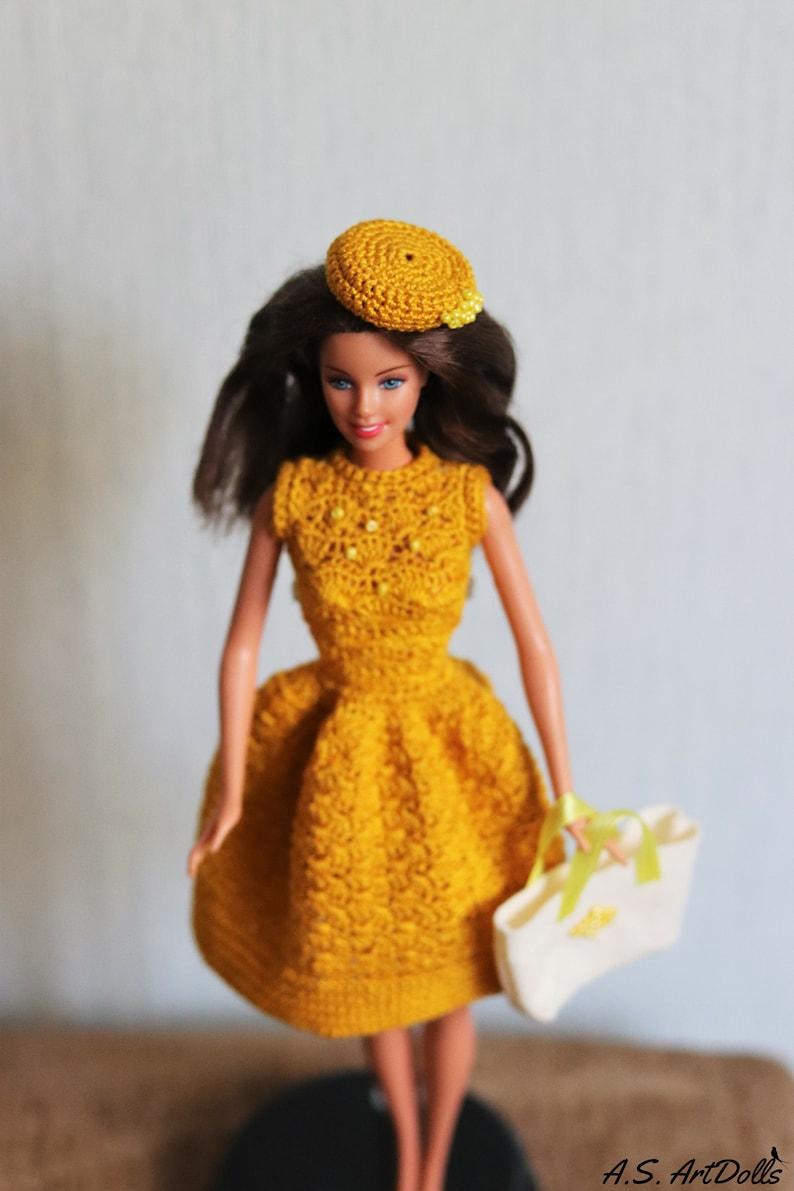 Abito bambola uncinetto giallo per Barbie vestiti per le  e2995c8ef711