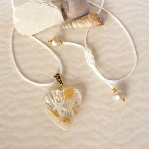 Beach Wedding Jewellery, Large Gold Seashell and Heart Jewellery, Statement Necklace, Everyday Elegance, Beach Lovers Gift