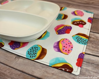 Snackmats, Small Placemats, Table Linens, Meal Mats, Gift under 20, Dinner Setting, Free Shipping, Reversible, Cupcakes, Handmade