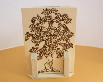 Wooden pen holder, Pirografo engraving, gift idea