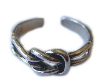 Sterling Silver Square Knot Toe Ring from Hawaii from Maui, Hawaii