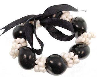 Hawaiian Jewelry Handmade Hawaiian Mongo Shell and Kukui Nut Elastic Bracelet from Maui, Hawaii