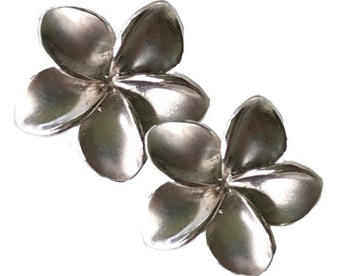 Hawaiian Heirloom Jewelry 14 Karat White Gold Plumeria Flower XL 18mm Earrings from Maui, Hawaii