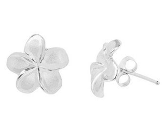 Hawaiian Heirloom Jewelry 14 Karat White Gold Plumeria Flower Earrings from Maui, Hawaii