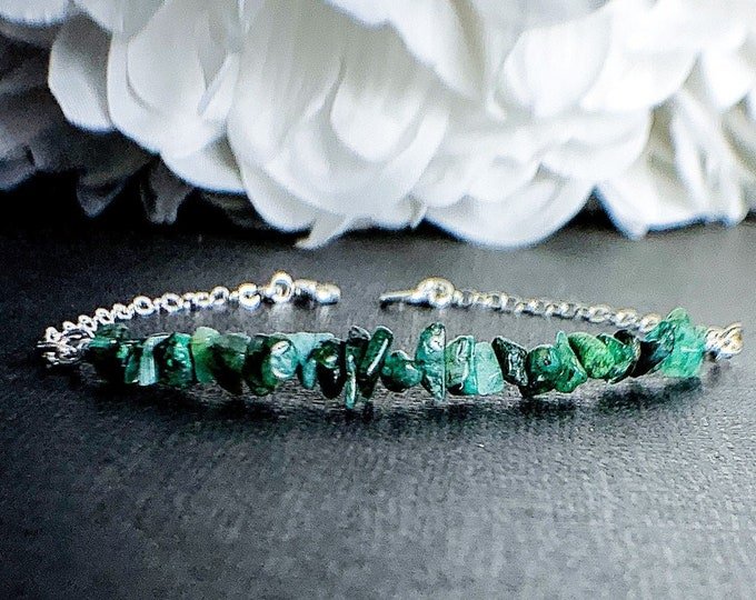 Raw Emerald Bracelet May Birthstone Raw Crystal Bracelet Layering Bracelet Gemstone Bracelets Heart Chakra Taurus Birthstone Simple Bracelet