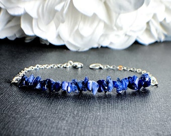 Raw Sodalite Chip Bracelet gift for Best Friend, Sodalite Jewelry, Womens Bracelet, Healing Crystal Bracelet for Women, Meditation