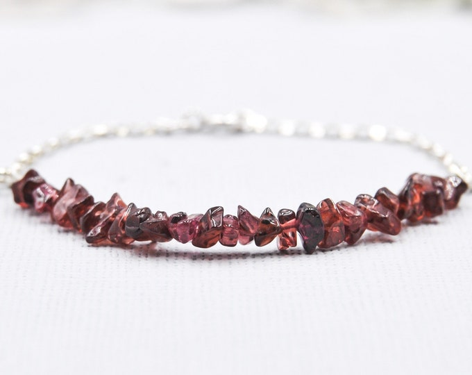 Garnet Bracelet Anxiety Stone Depression Jewelry January Birthstone Stacking Bracelet Anxiety aids Energy Bracelet Capricorn Birthstone