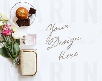 Download Free Beauty Styled Desktop Mockup, Feminine Styled Stock Photography, Roses, Parfume, Purse, Fashion accessories, 801 PSD Template