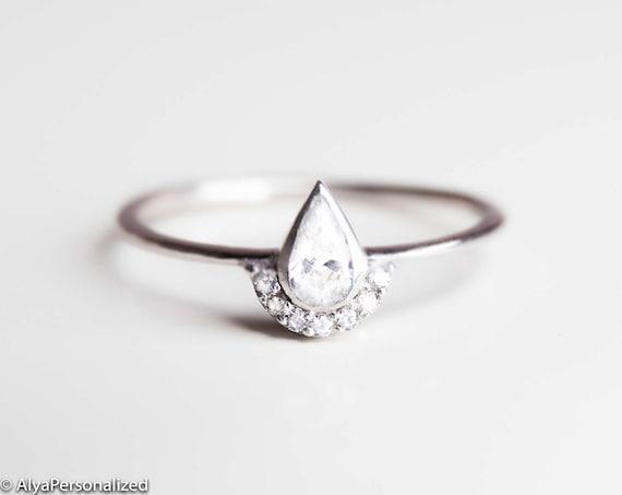 Alternative Engagement Ring Minimalist Engagement Ring Etsy