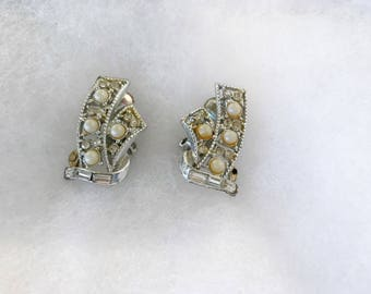 Vintage Retro Art Deco Clip On Rhinestone and Faux Pearl Earrings