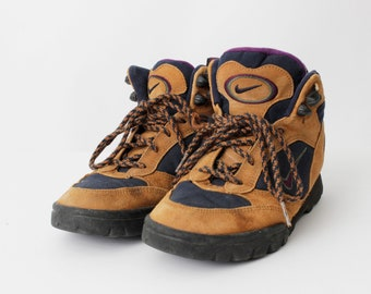 sale retailer 9f1c8 133b7 Vintage Women s Hiking Boots Nike ACG Southwest - 90s Retro US Size 7.5 EU  38 uk 5.5   23.8 cm
