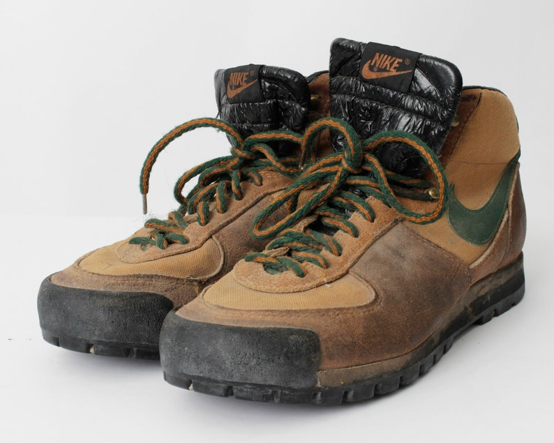 Vintage Nike Hiking Boots Size 9 Men s 10 Women s Brown Green  4a35925b6