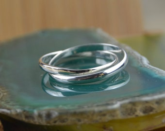Intertwining sterling silver bands ring in sizes 4, 5, 6