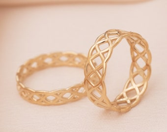 14K Solid Gold Celtic Knot Ring, 18K Gold Celtic Braid Band Ring, 4 mm or 6 mm Wide Celtic Weave Wedding Band Anniversary or Promise Ring