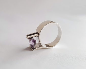 Available with Amethyst * Garnet * Aquamarine Contempo Sterling Silver Ring