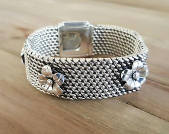 Hand Woven Flower Bracelet for Women
