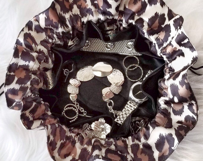 Featured listing image: Cheetah Animal Pattern Jewelry Travel Pouch Bag