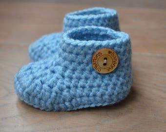 5c70e050d044 Crochet baby shoes