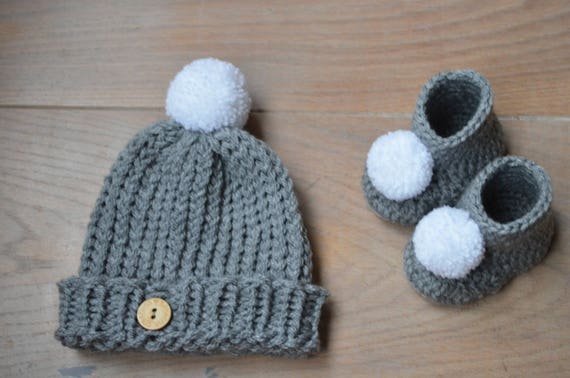 Neutral baby outfit Knit baby hat Crochet baby booties  bcfed0e714e