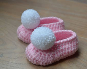 Crochet baby ballerinas - Ballet shoes - pompom booties - gift baby girl - gender reveal - shoes baby girl - Pink baby booties - Mothers day