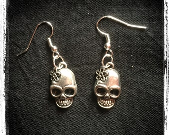 f9cb12f6a206 Boucles d oreilles calaveras Santa Muerte - Calaveras Santa Muerte earrings  - Boucles d oreilles crânes mignons - Cute skulls earrings