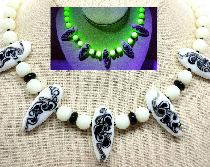 Uranium Glass Art Deco Lampwork Necklace