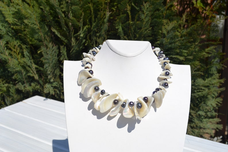 June Cancer necklace Short black white necklace Gemstone choker boho necklace Elegant black pearls and white Mother-of-Pearl necklace
