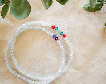 Set of two elastic minimalist bracelets in glass beads and crystals, customizable bracelet, family jewel