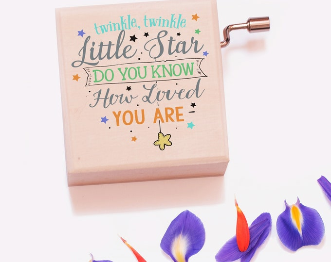Twinkle Twinkle Little Star Wooden Music Box   A gift for Baby Showers, New Mums or Baptisms!