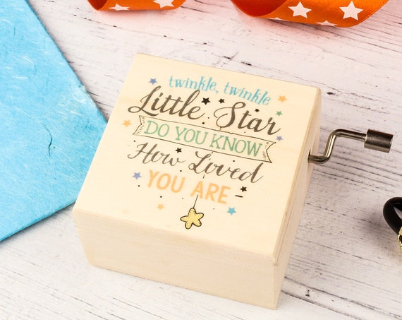 Music Box. Twinkle Twinkle Little Star Personalised Wood Keepsake for a Newborn, for Baby Showers or New Mums